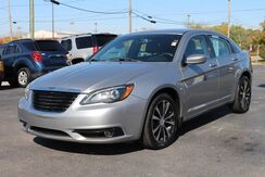 2014_Chrysler_200_Limited_ Fort Wayne Auburn and Kendallville IN
