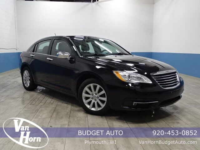 2014 Chrysler 200 Limited Plymouth WI