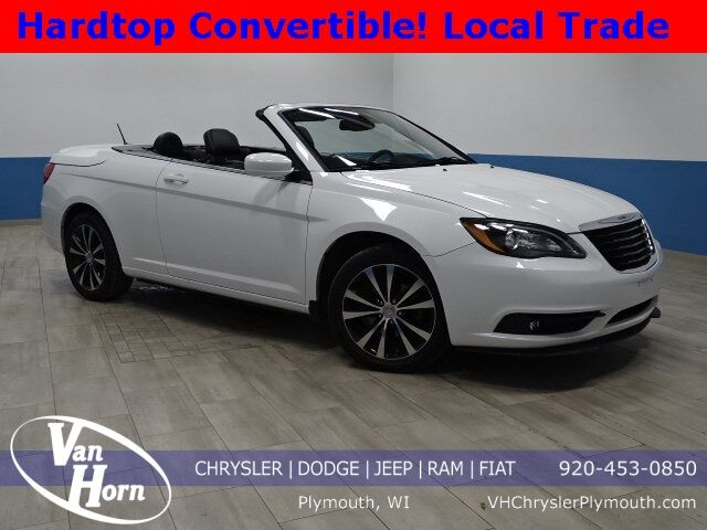 2014 Chrysler 200 S Plymouth WI