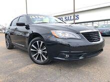 2014_Chrysler_200_Touring_ Jackson MS