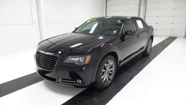 2014 Chrysler 300 4dr Sdn 300S AWD Topeka KS