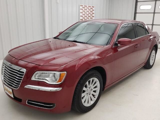 2014 Chrysler 300 4dr Sdn RWD Manhattan KS