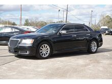 2014_Chrysler_300_C_ Richwood TX