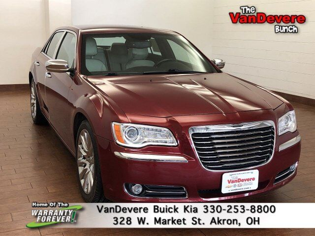 2014 Chrysler 300 Uptown Edition Akron OH