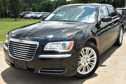 Chrysler 300 w/ LEATHER SEATS & SATELLITE 2014