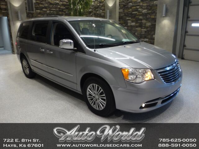 2014 Chrysler TOWN & COUNTRY TOURING L  Hays KS