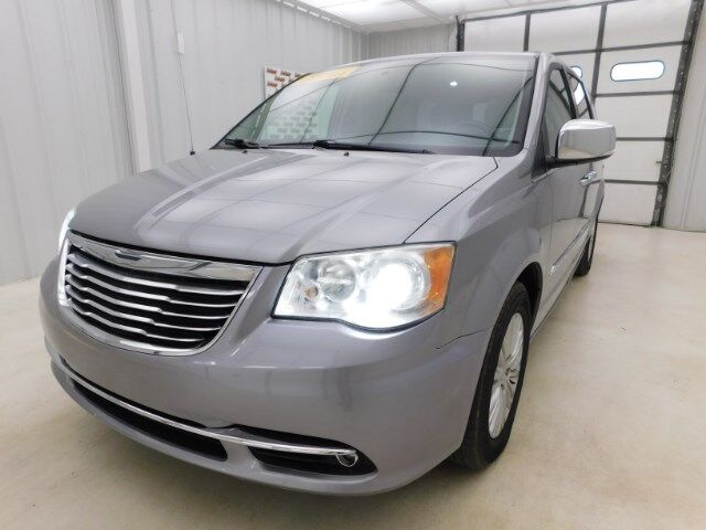 2014 Chrysler Town & Country 4dr Wgn Limited Manhattan KS