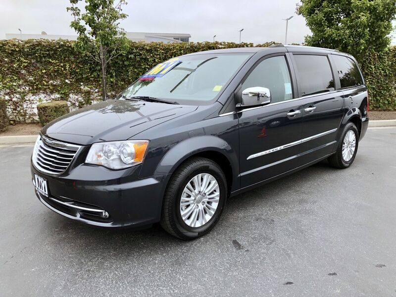 2014 Chrysler Town & Country Limited Salinas CA
