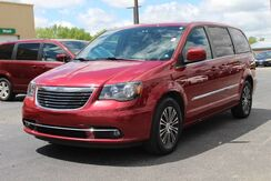 2014_Chrysler_Town & Country_S_ Fort Wayne Auburn and Kendallville IN