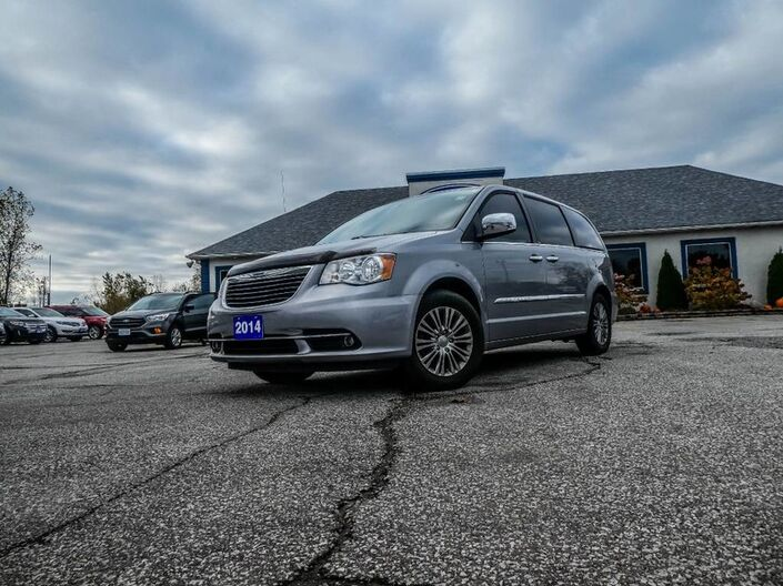2014 Chrysler Town & Country Touring- LEATHER- NAVIGATION- AS IS Essex ON