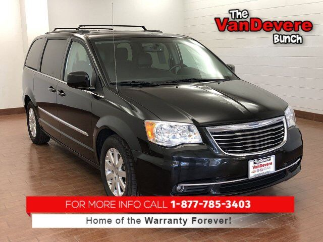 2014 Chrysler Town & Country Touring Akron OH