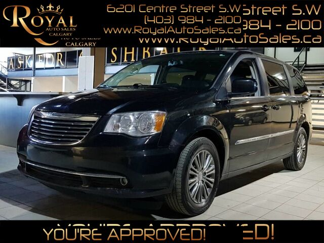 2014_Chrysler_Town & Country_Touring_ Calgary AB
