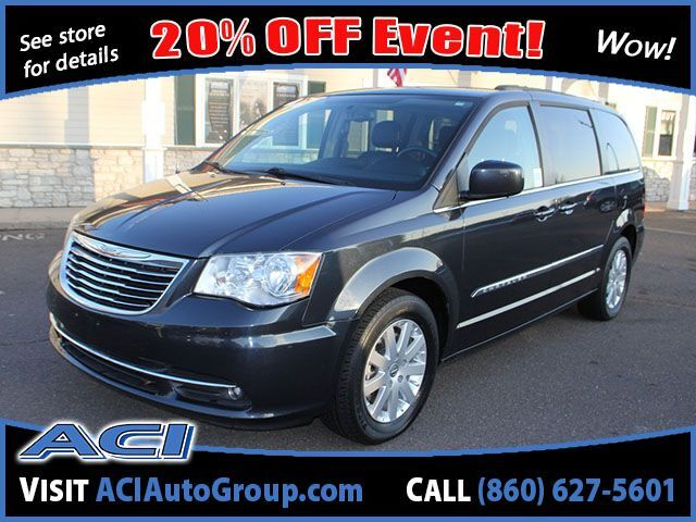 2014 Chrysler Town & Country Touring East Windsor CT