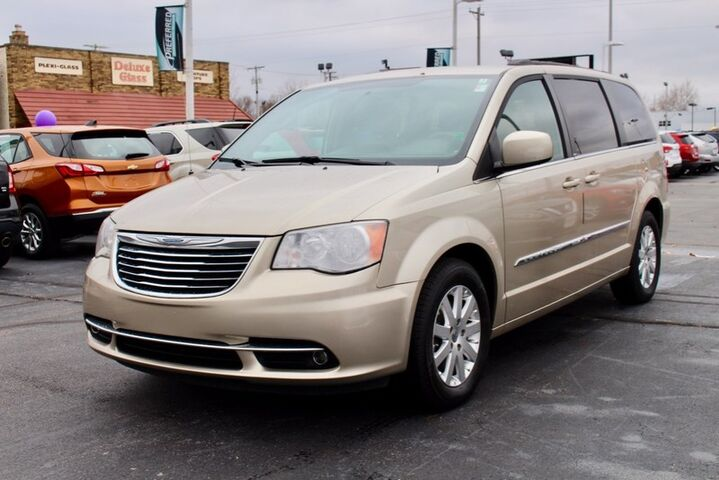 2014 Chrysler Town & Country Touring Fort Wayne Auburn and Kendallville IN