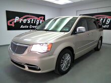 2014_Chrysler_Town & Country_Touring-L_ Akron OH