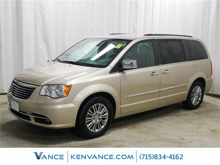 2014 Chrysler Town & Country Touring-L Eau Claire WI