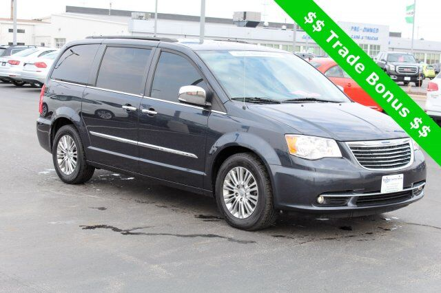 2014 Chrysler Town & Country Touring-L Green Bay WI