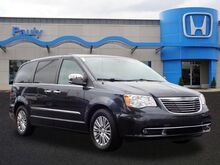 2014_Chrysler_Town & Country_Touring-L_ Libertyville IL