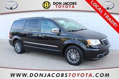 2014_Chrysler_Town & Country_Touring-L_ Milwaukee WI