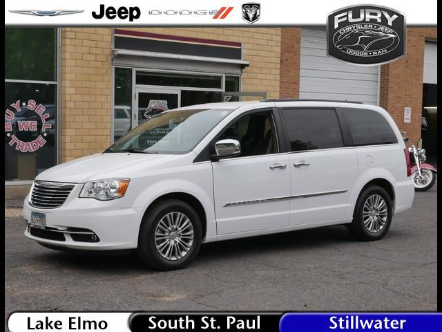2014 Chrysler Town & Country Touring-L Stillwater MN