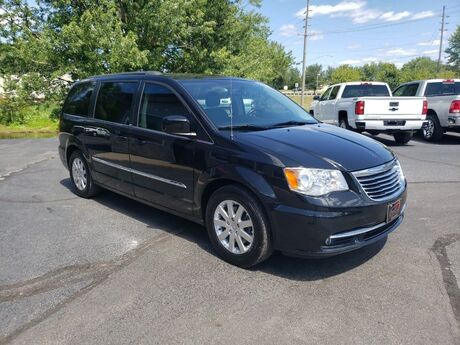 2014 Chrysler Town & Country Touring Middlebury IN