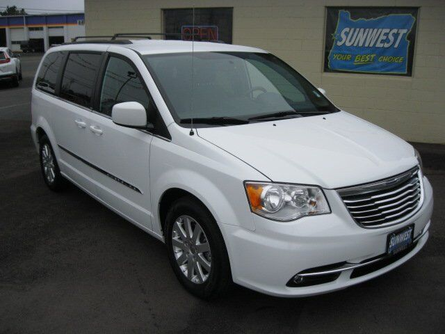 2014 Chrysler Town & Country Touring Newport OR