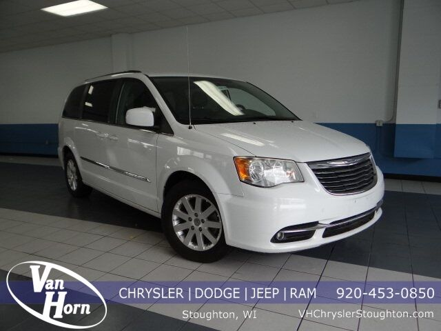 2014 Chrysler Town and Country Touring Plymouth WI