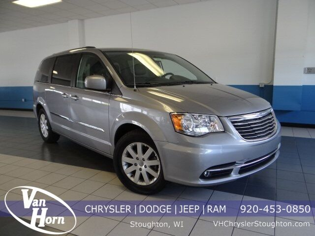 2014 Chrysler Town & Country Touring Plymouth WI