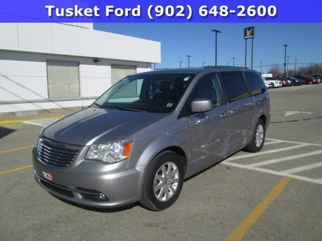 2014 Chrysler Town & Country Touring Tusket NS