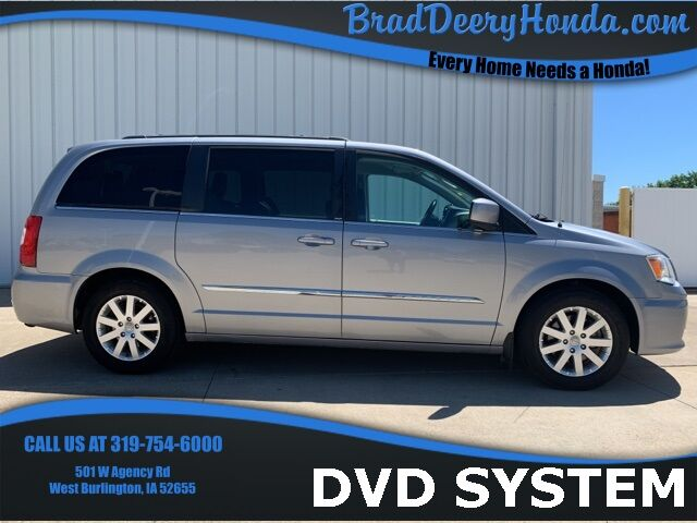 2014 Chrysler Town & Country Touring West Burlington IA