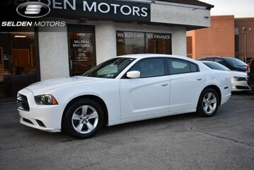 2014_Dodge_Charger_SE_ Willow Grove PA