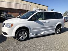 2014_Dodge_Grand Caravan BraunAbility Lowered Floor Wheelchair Van_SE_ Ashland VA