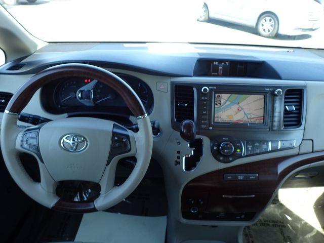 2014 FMI Toyota Sienna XLE w/ Manual Ramp Anaheim CA