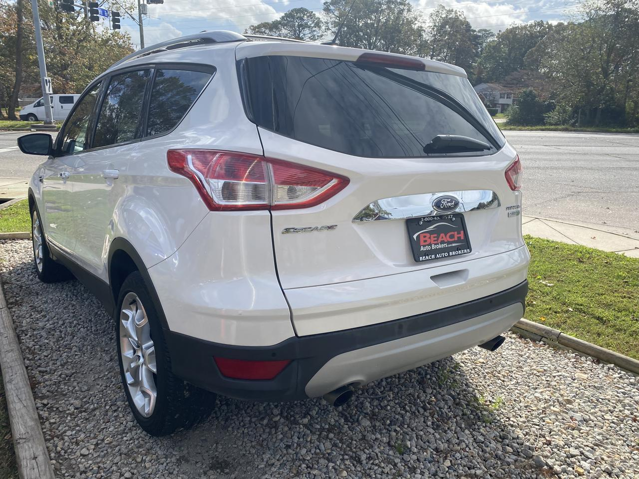 2014 FORD ESCAPE TITANIUM, WARRANTY, LEATHER, NAV, SONY SOUND SYSTEM, BLUETOOTH, BACKUP CAM, AUX/USB PORT, 1 OWNER! Norfolk VA