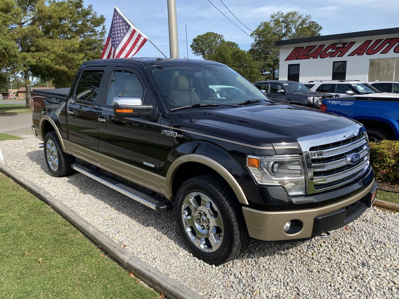 2014 FORD F-150 LARIAT SUPERCREW 4X4, WARRANTY, LEATHER, SUNROOF, NAV, HEATED/COOLED SEATS, BLUETOOTH, CLEAN CARFAX! Norfolk VA