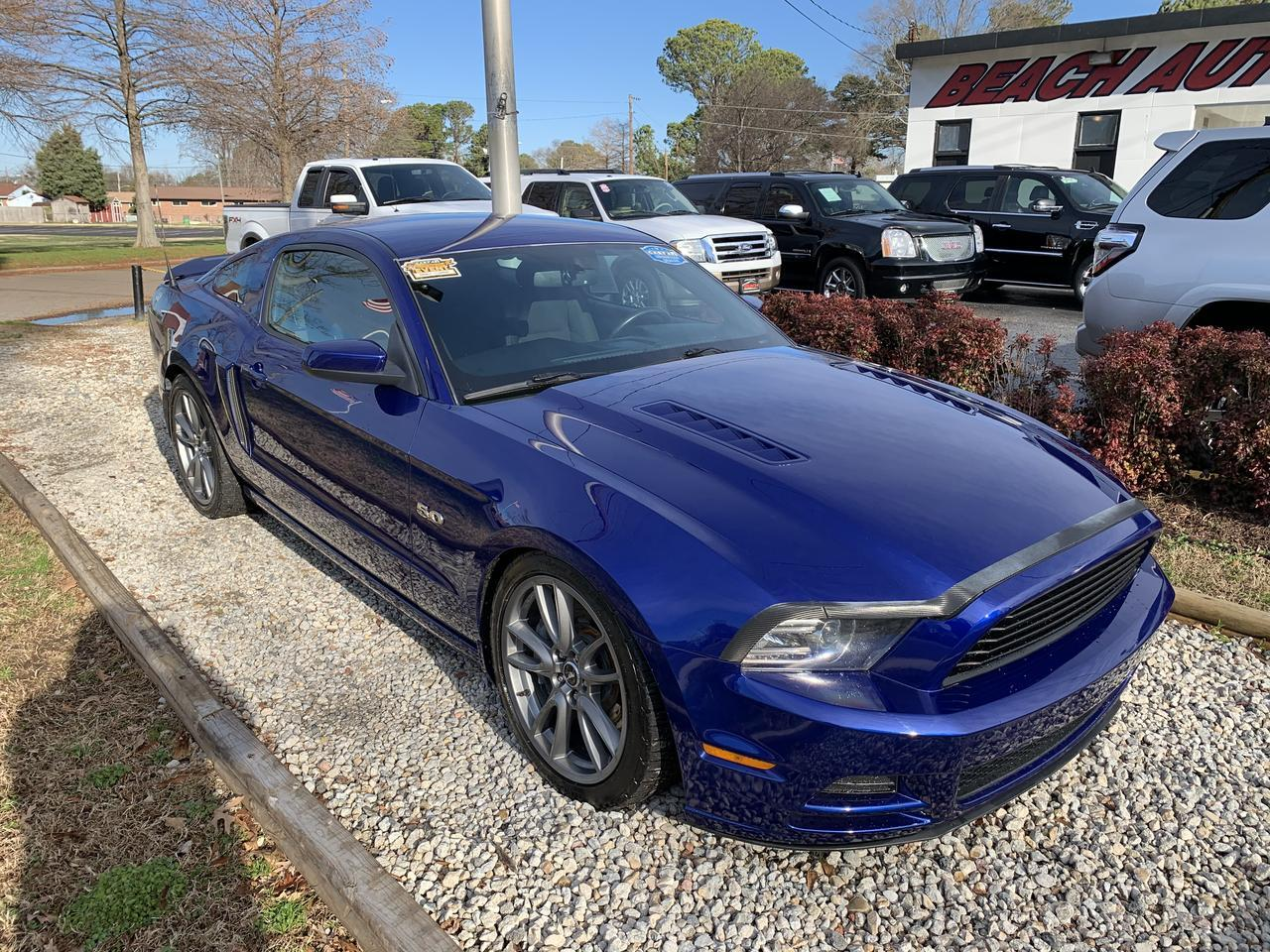 2014 FORD MUSTANG GT COUPE, WARRANTY, MANUAL, SYNC, A/C, REAR SPOILER, SIRIUS RADIO, LOW MILES! Norfolk VA