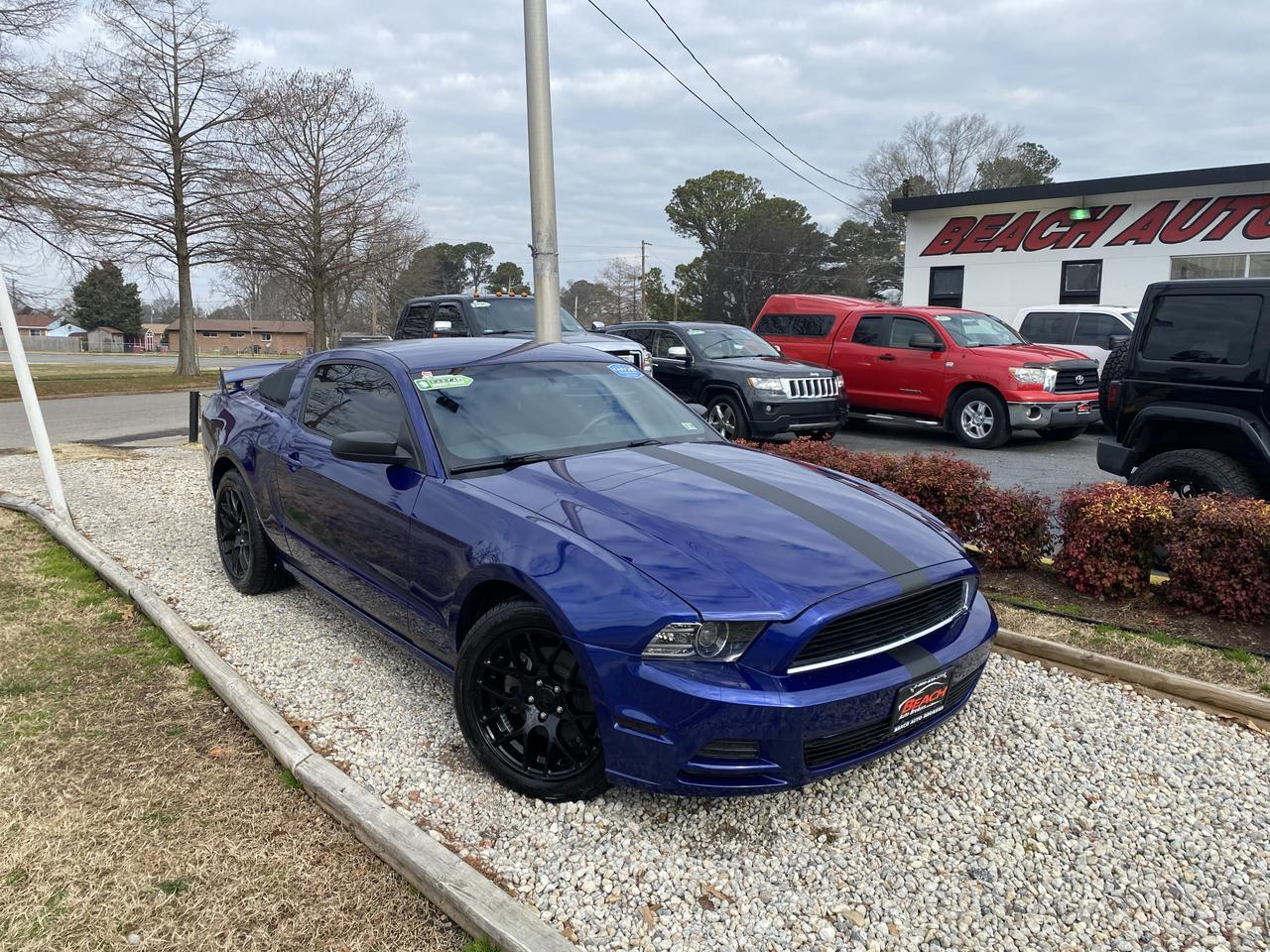 2014 FORD MUSTANG WARRANTY,  MANUAL, CRUISE CONTROL, A/C, AUX/USB PORT, CD PLAYER, CLEAN CARFAX! Norfolk VA