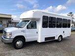 2014 Ford E350 Starcraft Shuttle Bus w/ Wheelchair Lift