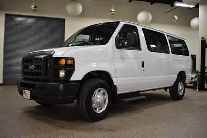 2014_Ford_Econoline_E-250 10 Passenger Van_ Boston MA