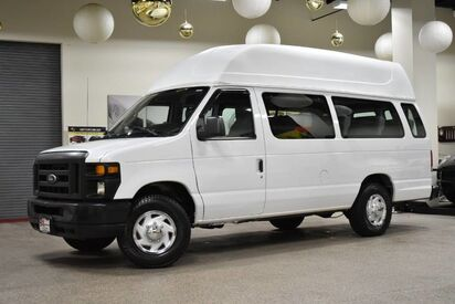 2014_Ford_Econoline_E-250 14 Passenger_ Boston MA