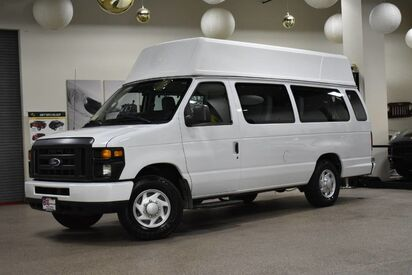2014_Ford_Econoline E-250_Wheelchair 10 Passenger_ Boston MA