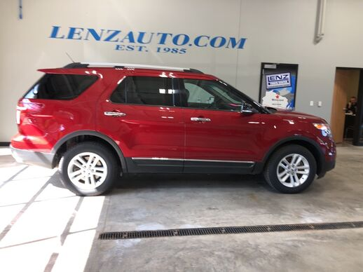2014_Ford_Explorer_LEATHER MOON TOW XLT_ Fond du Lac WI