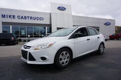 2014_Ford_Focus_S_ Cincinnati OH