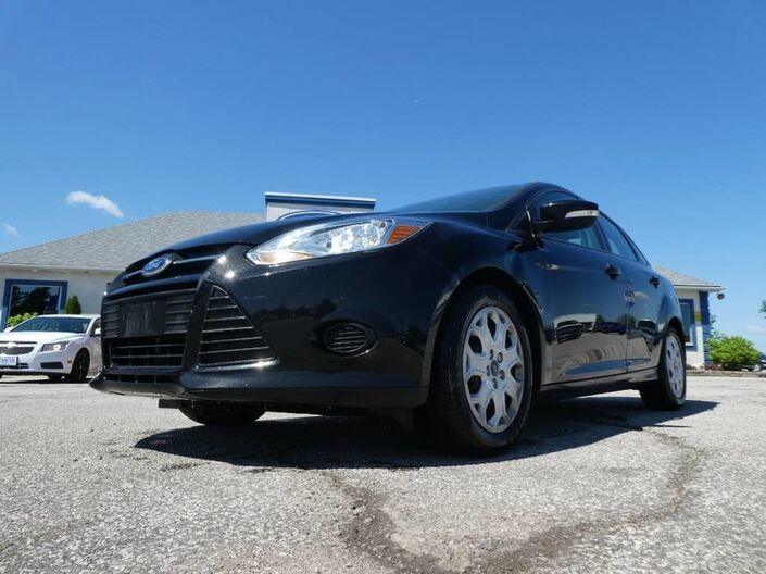 2014 Ford Focus SE- BLUETOOTH- AUTO- LOW KM Essex ON