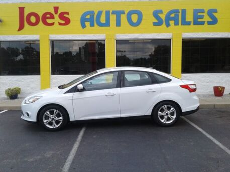 2014_Ford_Focus_SE Sedan_ Indianapolis IN