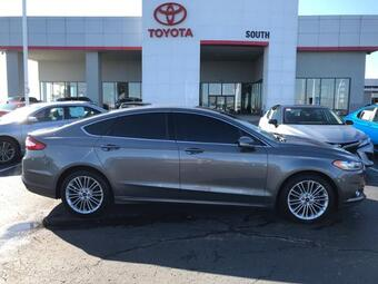 2014_Ford_Fusion_4dr Sdn SE FWD_ Richmond KY