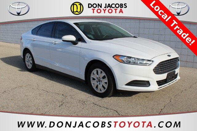 2014 Ford Fusion S Milwaukee WI
