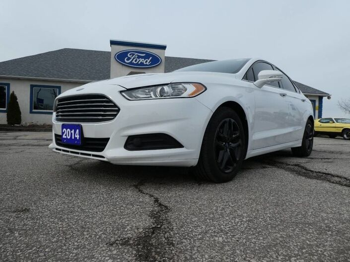 2014 Ford Fusion SE- SYNC- BACKUP CAM- BLACK WHEELS Essex ON