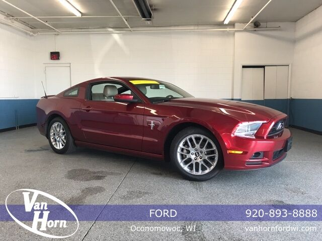 2014 Ford Mustang V6 Premium Plymouth WI