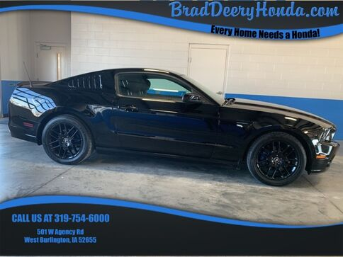 2014_Ford_Mustang_V6_ West Burlington IA
